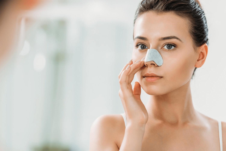 Sử dụng mặt nạ để điều trị mụn cám ở mũi