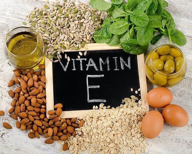 Cách trị nám chân sâu tại nhà với sự hỗ trợ vitamin E