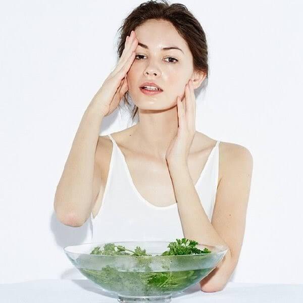 cách thải độc tố cho da mặt