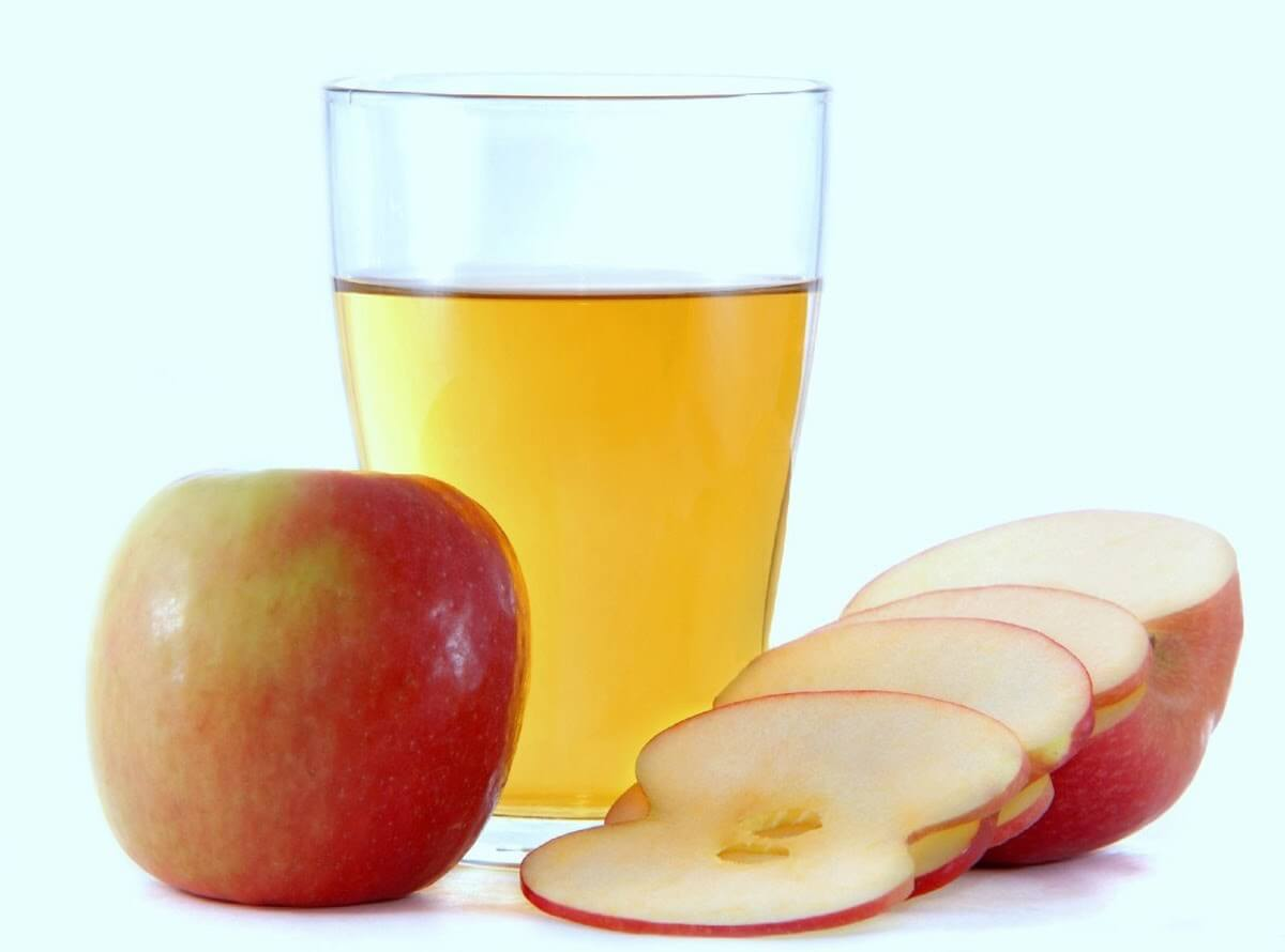 Nước ép táo là thức uống quen thuộc