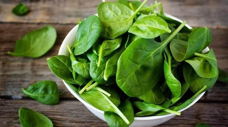 Rau chân vịt chứa nhiều vitamin