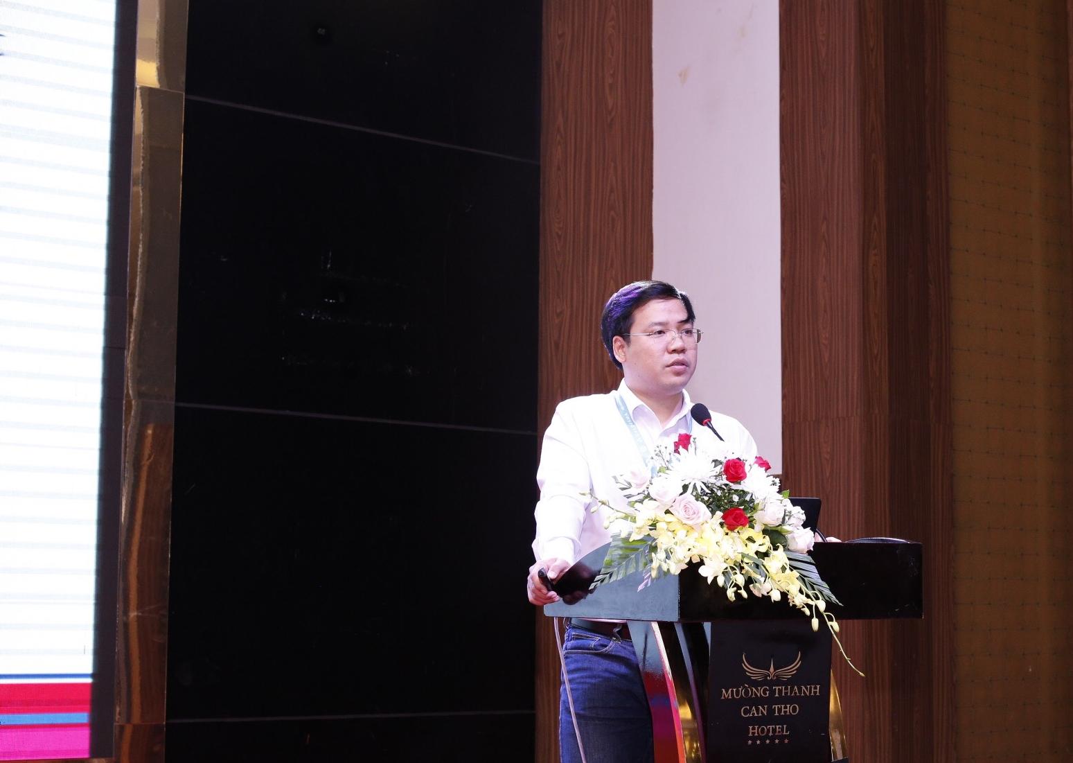 Bác sĩ Tiến Thành với báo cáo khoa học về Phương pháp điều trị rám má bằng Laser QS YAG và kết hợp bôi chế phẩm 4 – n – butylresorcinol và Tranexamic Acid tại Hội nghị da liễu thẩm mỹ toàn quốc